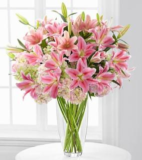 Intrigue Luxury Lily & Hydrangea Bouquet - 22 Stems
