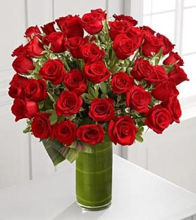 Fate Luxury Rose Bouquet - 48 Stems of Medium Stem Roses